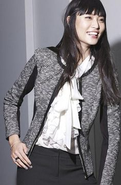 Fall work style: Love this jacket & blouse combo.