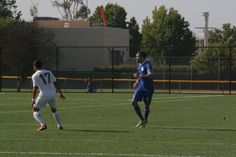 De La Fuente leads Misioneros past OC Pateadores Blues with two goals as Misioneros remain undefeated with 4-2 win.