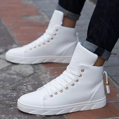 Men's White Skateboarding Shoes High Top Flats Sneakers Breathable Street Sports Shoes Hip Hop Walking Shoes Chaussure Homme - Men's White Skateboarding Shoes High Top Flats Sneakers Breathable Street Sports Shoes Hip Hop Walking Shoes Chaussure Homme Moda Sneakers, Casual Sneakers, Sneakers Fashion, Casual Shoes, Fashion Shoes, High Top Sneakers, Mens Fashion, Skull Fashion, Lace Sneakers