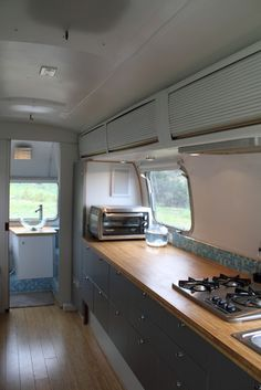 beautiful airstream reno, full house tour, occupants live in it full time, not just recreational