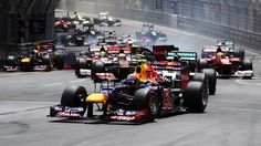 Mark Webber of Red Bull Racing leads into the first corner at the start of Monaco Formula One Grand Prix Nascar, Red Bull Racing, F1 Racing, Formula 1, Fernando Alonso Ferrari, F1 Wallpaper Hd, Stock Car, Sunday Pictures, Mark Webber