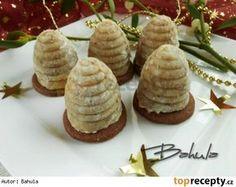 Babiččiny ořechové úlky - My site Christmas Candy, Christmas Baking, Christmas Cookies, Xmas, Baking Recipes, Cookie Recipes, Toffee Bars, Czech Recipes, Recipe Organization