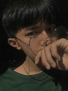 Cute Korean Boys, Asian Boys, Girl Photo Poses, Girl Photos, Something Beautiful, Beautiful Boys, Girls In Love, Cute Girls, Korea Boy