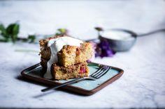 Rebarborový drobenkový koláč
