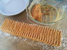 Egyszerű karamellkrémes csíkos szelet - sütés nélkül recept lépés 3 foto Nutella