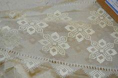 U Needle Lace, Needle And Thread, Bead Crochet, Filet Crochet, Wedding Glasses, Lost Art, Cross Stitch Embroidery, Tatting, Bargello