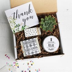 Botanical Thank You Gift Box - Appreciation Gift Best Thank You Gifts, Best Friend Gifts, Gifts For Friends, Gifts For Mom, Gift For Parents, Teacher Aide Gifts, Teachers Aide, Travel Picture, Wine Gift Baskets