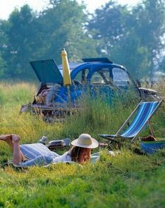 Wishing this was me and my car in the background on a summer picknick!