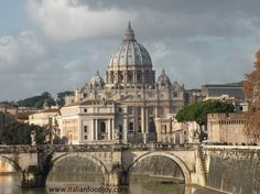 Vatican City Italy is one of the best places in the world where eat refined food www. for UK and other countries www. for DE and AT only Italian Food Near Me, Rome Food, Living In Europe, Other Countries, Vatican City, Italian Recipes, The Good Place, Taj Mahal, Landscapes