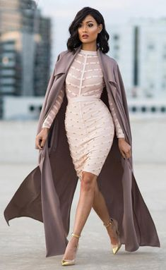 """stepping into the weekend like Wearing our """"Queen Bandage Dress"""" in blush and """"Long Duster Coat"""" in mauve News Fashion, Look Fashion, Fashion Outfits, Womens Fashion, Fashion Trends, Fashion Coat, Fashion Bloggers, Style Work, Mode Style"""