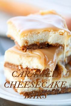 Caramel Cheesecake Bars - - Thick graham cracker crust with cheesecake filling and homemade caramel topping. Newyork Cheesecake, Cheesecake Brownie, Best Cheesecake, Cheesecake Recipes, Fluffy Cheesecake, Brownie Bar, Köstliche Desserts, Delicious Desserts, Dessert Recipes