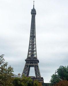Un día en París . Une journée  à #Paris #jeteaime  One day in Paris  at ➡️www.makeyourownfashion.com ⬅️ #france_vacations  #igfrance #traveler #bloggerlife #travelpost #Makeyourownfashion #blog #myof