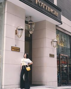Bye Hong Kong 🇭🇰 Found the perfect place to stay that's so central and close to everything and right on historical Pottinger Street. Anne Curtis Smith, Graphic Shirts, Flare Pants, Fashion Pants, Celebrity Style, Perfect Place, Hong Kong, Casual, High Waist
