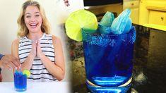 How to make a Breaking Bad Blue Margarita - Tipsy Bartender - Tasty Food Bartender Drinks, Liquor Drinks, Vodka Cocktails, Alcoholic Drinks, Beverages, Refreshing Drinks, Yummy Drinks, Vodka Fruit Punch, Mezcal Tequila
