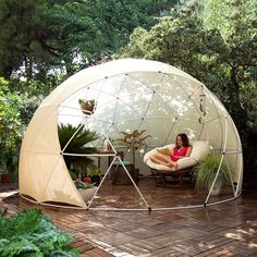 Great Multi-purpose Garden Igloo: What if you could enjoy your garden shed throughout the year? This is the promise made by Garden Igloo. Igloo Dome Garden, multifunctional, versatile and Outdoor Spaces, Outdoor Living, Outdoor Decor, Outdoor Life, Canopy Outdoor, Outdoor Fun, Exterior Design, Interior And Exterior, Interior Garden
