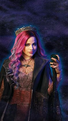 Disney's Descendants 3 : Total Viewers In L + 3 The Descendants, Disney Descendants Dolls, Descendants Characters, Halloween Costume Accessories, Halloween Costumes For Girls, Films Netflix, Sarah Jeffery, Mal And Evie, Booboo Stewart