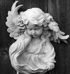 Angel on earth I Believe In Angels, Ange Demon, Garden Angels, Angels Among Us, Angel Statues, Angel Art, Garden Statues, Sculpture Art, Cherub