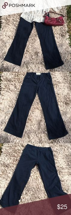 J Crew Classic Twill Chino Favorite Fit Size 6 Super comfy and perfect for fall! J Crew Size 6 Classic Twill Chino pants! Offers always welcome & discounts on bundles! J. Crew Pants Trousers