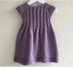 Vestido de niña, tejido a mano, vestido tejido, tejido de algodón, trenzado color gris - Babykleidung Girls Knitted Dress, Knit Baby Dress, Knitted Baby Clothes, Knit Cardigan Pattern, Sweater Knitting Patterns, Baby Knitting, Girls Dresses, Flower Girl Dresses