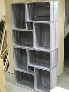 Begehbarer Kleiderschrank Rack of boxes The Most Popular Roses For Growers Article Body: As Cheap Home Decor, Diy Home Decor, Room Decor, Wood Crates, Wood Pallets, Recycled Furniture, Diy Furniture, Most Popular Flowers, Apple Crates