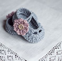 Instant download - Baby Booties Crochet PATTERN (pdf file) - Old Rose Baby Booties