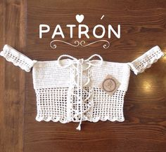 No photo description available. Crochet Bra, Crochet Bikini Pattern, Crochet Shirt, Crochet Woman, Love Crochet, Crochet Clothes, Crochet Designs, Crochet Patterns, Crochet Tank Tops