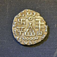 Silver Drachma, Amoghabhuti Kuninda Kingdom, C. Buddhist Symbols, Sacred Symbols, Ancient Symbols, Ancient Artifacts, Ancient History, Brahmi Script, Ancient Persian, Arte Tribal, Archaeological Discoveries