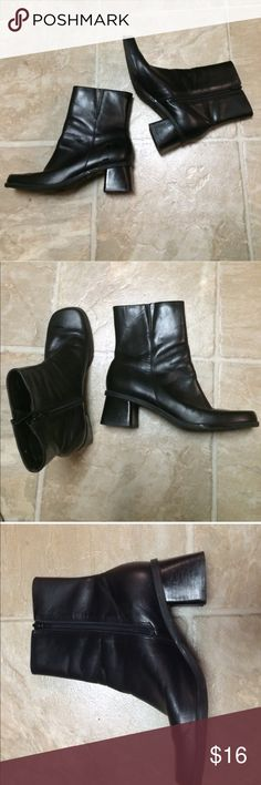 Black booties size 8! Perfect black booties for your grungy inspired looks , lightweight and comfy! Shoes Ankle Boots & Booties