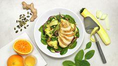 Appelsinkokt kyllingfilet med lun squashsalat og ingefærdressing - Sunn - Oppskrifter - MatPrat