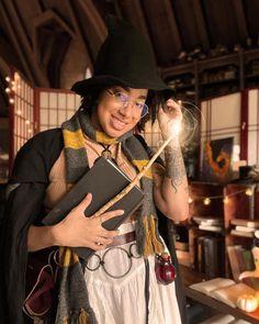"Felix Gray on Instagram: ""Introducing Professor Willow Penelope Grayson! Your pansexual teacher for History of Magic this term at Hogwarts. Professor Grayson is…"" Professor Willow, Hufflepuff Pride, Lady Grey, Hogwarts, Dreadlocks, Teacher, Magic, Gray, History"