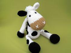 Cow Mytalda amigurumi crochet pattern by DioneDesign