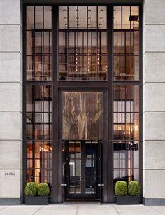 Andaz Avenue Hotel in der spektakulären Stadt New York - Haus dekoration Entrance Design, Entrance Doors, Design Entrée, Interior Architecture, Interior Design, New York Hotels, 5th Avenue, Hotel Lobby, Windows And Doors