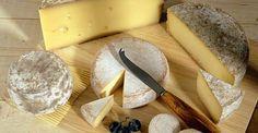 Heute schon ein Stück Käse genascht? Wir liefern euch gleich DREI gute Gründe, wieso ihr das unbedingt tun solltet: http://www.shape.de/diaet-und-ernaehrung/lebensmittel/a-60611/kaese-und-co-fuer-die-gesundheit.html
