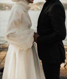 Hijabi Wedding, Muslimah Wedding Dress, Muslim Wedding Dresses, Black Wedding Dresses, Bridal Dresses, Muslim Fashion, Modest Fashion, Hijab Fashion, Fashion Dresses