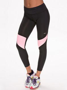 http://nelly.com/se/kläder-för-kvinnor/sportkläder/tights/rhnisch-859/shape-aine-7-8-tights-850063-54/