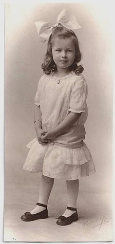 Old Photo Girl wearing White Dress Hair Bow Jewelry Early 1900s Studio Photograph