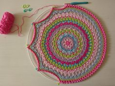 Mandala ideas - attaching to craft hoops crochet mandala pattern, crochet doilies, crochet patterns Crochet Home, Crochet Crafts, Crochet Projects, Knit Crochet, Crochet Baby, Motif Mandala Crochet, Crochet Doilies, Crochet Flowers, Doily Patterns