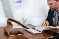 姿勢に自由を、デスクトップスタンドのすすめ | MOKU | MONOCO