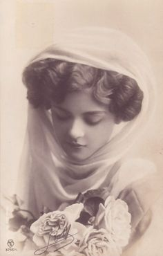 vintage photo of edwardian girl Images Vintage, Photo Vintage, Vintage Pictures, Vintage Photographs, Old Pictures, Vintage Postcards, Old Photos, Vintage Girls, Vintage Love