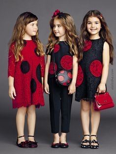ALALOSHA: VOGUE ENFANTS: Gracing the pages of #ALALOSHA, little #DolceGabbana's models keep sunny in luxe #SS15 look including the dot black dresses with carnation patterns