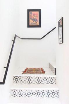 15 Beautiful Staircase Tiles Ideas https://www.futuristarchitecture.com/35495-staircase-tiles-ideas.html