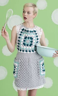 Get cooking with a good-looking apron made in washable yarn. Awesome crochet granny square pattern! Such a great vintage style.