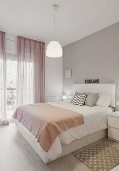 Modern farmhouse design integrates the standard with the brand-new makes any kind of area very cozy. Discover finest rustic farmhouse bedroom design ideas as well as design tips. See the best designs! Dream Rooms, Dream Bedroom, Home Bedroom, Bedroom Decor, Bedroom Ideas, Bedroom Themes, Bedroom Designs, Pink Bedroom Curtains, Neutral Curtains