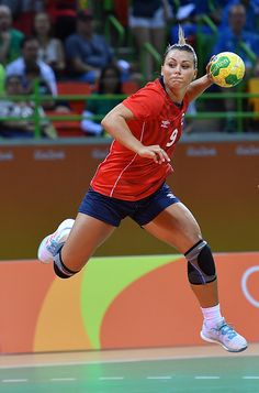 Best of Day 1 - Nora Mork of Norway shoots during the women's preliminaries Group A handball match Norway vs Brazil on Day 1 of the Rio 2016 Olympic Games at Future. Olympic Handball, Women's Handball, Handball Players, Rio 2016 Pictures, Olympic Athletes, Rio Olympics 2016, Sport Body, Action Poses, Goalkeeper