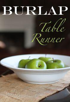 Burlap Table Runner via redflycreations.com #burlap #tablerunner