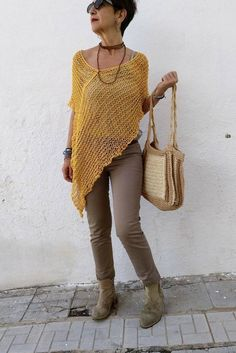 Knitted open beach blouse vacation bikini sun protection set cover up Poncho Pullover, Poncho Sweater, Cropped Sweater, Crochet Cover Up, Crochet Poncho, Mode Outfits, Mustard Yellow, Crochet Clothes, Seersucker