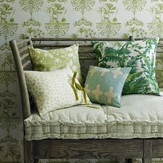 Country living room pictures and photos for your next decorating project. Find inspiration from of beautiful living room images Grey Wallpaper, Room Wallpaper, Botanical Wallpaper, Botanical Prints, Brick Wallpaper, Color Of The Year 2017, Living Room Images, Green Colour Palette, Green Home Decor