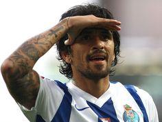 FC Porto quer três pontos frente a Rio Ave que não sabe ganhar em casa :: zerozero.pt Fc Porto, Historical Photos, Rio, Soccer, Football, Legends, Dots, Tattoo, Home