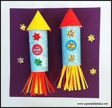 Handprint Art Space Rocket Craft · The Inspiration Edit – Backen Toilet Roll Craft, Toilet Paper Roll Crafts, Cardboard Crafts, Vbs Crafts, Preschool Crafts, Space Preschool, Alien Crafts, Unicorn Crafts, July Crafts