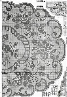 Thread Crochet, Love Crochet, Crochet Doilies, Knit Crochet, Crochet Roses, Mantel Redondo, Filet Crochet Charts, Fillet Crochet, Bargello